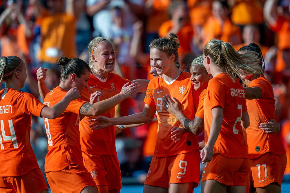 01-06-2019 NED: Netherlands - Australia, Eindhoven<br /> <br /> Friendly match in Philips stadion Eindhoven. Netherlands win 3-0 / Vivianne Miedema #9 of The Netherlands score 2-0, Lieke Martens #11 of The Netherlands, Merel van Dongen #4 of The Netherlands, Shanice van de Sanden #7 of The Netherlands, Stefanie van der Gragt #3 of The Netherlands, Sherida Spitse #16 of The Netherlands