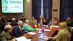 Jose Fortunati durante debate de ideias com as Diretorias da FEDERASUL e ACPA, no Salão Fábio Araújo Santos, no Palácio do Comércio. FOTO: Jefferson Bernardes/Preview.com