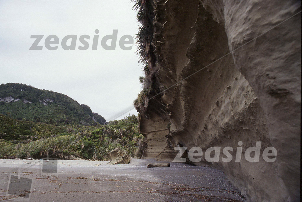 The lime stone formations of Punakaiki beach.