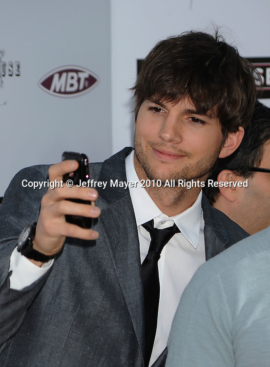 """HOLLYWOOD, CA. - April 08: Ashton Kutcher  arrives to """"The Jonses"""" Los Angeles Premiere at ArcLight Cinemas on April 8, 2010 in Hollywood, California."""