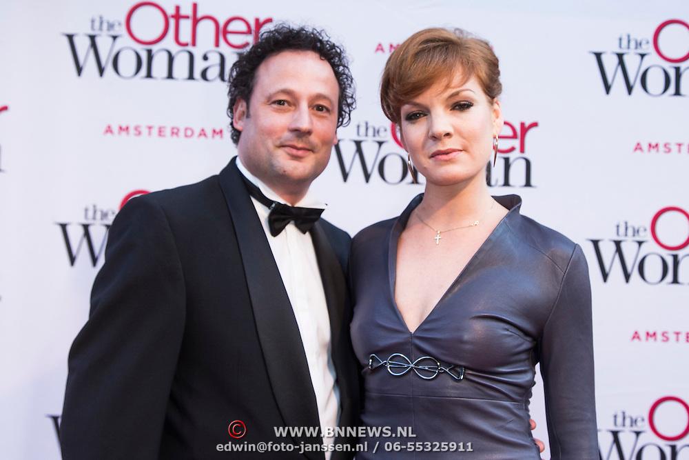 NLD/Amsterdam//20140401 - Filmpremiere The Other Woman, Janna Fassaert en partner Mike Niemans