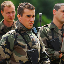 Exercice du Groupement Blindé de Gendarmerie Mobile (GBGM), de ses pelotons d'intervention (PI) et de ses VBRG avec le soutien de l'EC145 du DAG Velizy-Villacoublay au camp de la frileuse .<br /> Juillet 2008 / Beynes (78) / FRANCE
