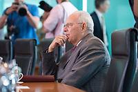 21 JUN 2017, BERLIN/GERMANY:<br /> Wolfgang Schaeuble, CDU, Bundesfinanzminister, vor Beginn der Kabinettsitzung, Bundeskanzleramt<br /> IMAGE: 20170621-01-002<br /> KEYWORDS: Kabinett, Sitzung, Wolfgang Schäuble