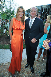 INDIA HICKS and DAVID FLINT WOOD at the annual Serpentine Gallery Summer Party sponsored by Canvas TV  the new global arts TV network, held at the Serpentine Gallery, Kensington Gardens, London on 9th July 2009.