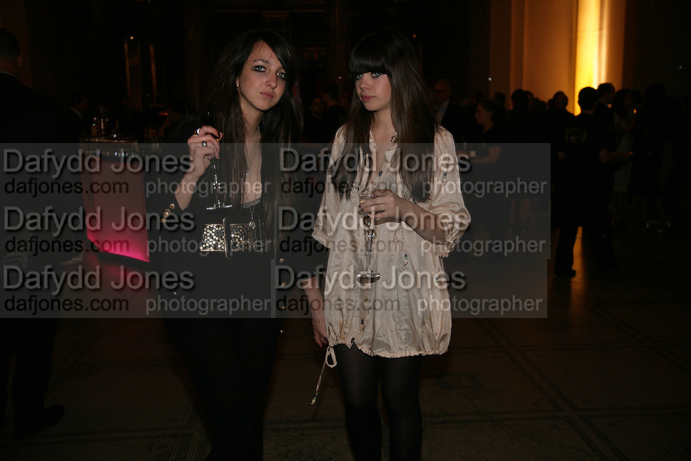 TISH WEINSTOCK AND JESSICA DRAPER, V and A celebrates 150th anniversary. V and A. London. 26 June 2007.  -DO NOT ARCHIVE-© Copyright Photograph by Dafydd Jones. 248 Clapham Rd. London SW9 0PZ. Tel 0207 820 0771. www.dafjones.com.