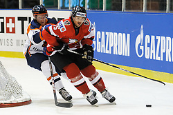 24.04.2010, Eishalle, IJssportcentrum, Tilburg, NED, IIHF Division I WM, Gruppe A, Österreich vs Niederlande im Bild Christoph Harand (r) battles with Bob Teunissen, EXPA Pictures © 2010, PhotoCredit/ EXPA/ Fintan Planting / SPORTIDA PHOTO AGENCY