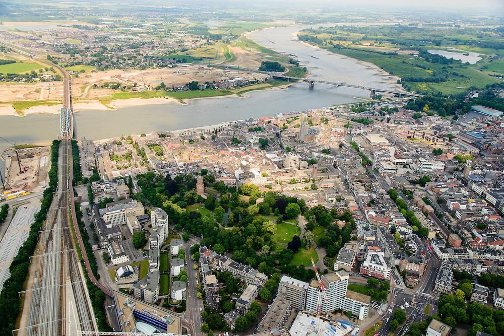 Nederland, Gelderland, Nijmegen, 26-06-2013; rivier de Waal met Waalbrug, gezien vanuit het Zuiden. Onder binnenstad Nijmegen, met Kronenburgerpark. Aan de overzijde van de rivier grondwerkzaamheden voor de dijkteruglegging Lent (Ruimte voor de Rivier). <br /> Waal bridge and the river Waal, city of Nijmegen. On the other site of the river groundwork for the Dike relocation of Lent (project Ruimte voor de Rivier: Room for the River).<br /> luchtfoto (toeslag op standaard tarieven);<br /> aerial photo (additional fee required);<br /> copyright foto/photo Siebe Swart.