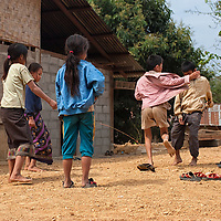 Late in the morning in Nong Kiaw, i saw this children playing with a skipping rope.