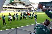 Fotball NM Rosenborg - Mandalskameratene 1-0<br /> Spillere, ledere og supportere takker hverandre for innsatsen i cupen<br /> Foto. Carl-Erik Eriksson. Digitalsport