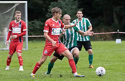 Valdemar Holze (FC Helsingør) og Tobias Svendsen (Bispebjerg Boldklub) under kampen i Sydbank Pokalen, 1. runde, mellem Bispebjerg Boldklub og FC Helsingør den 2. september 2020 i Lersø Parken (Foto: Claus Birch).
