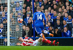 26.01.2014, Stamford Bridge, London, ENG, FA Cup, FC Chelsea vs Stoke City, 4. Runde, im Bild Chelsea's Andre Schurrle is tackled by Stoke City's captain Ryan Shawcross // during the English FA Cup 4th round match between Chelsea FC and Stoke City FC at the Stamford Bridge in London, Great Britain on 2014/01/26. EXPA Pictures © 2014, PhotoCredit: EXPA/ Propagandaphoto/ David Rawcliffe<br /> <br /> *****ATTENTION - OUT of ENG, GBR*****