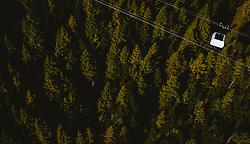 THEMENBILD - die neuen verpackten Gondeln beim Probebetrieb der Seilbahnverbindung Kaprun-Maiskogel-Kitzsteinhorn, aufgenommen am 11. Oktober 2019, Kaprun, Österreich // the new packed gondolas during test operation of the Kaprun-Maiskogel-Kitzsteinhorn ropeway connection on 2019/10/11, Kaprun, Austria. EXPA Pictures © 2019, PhotoCredit: EXPA/ JFK