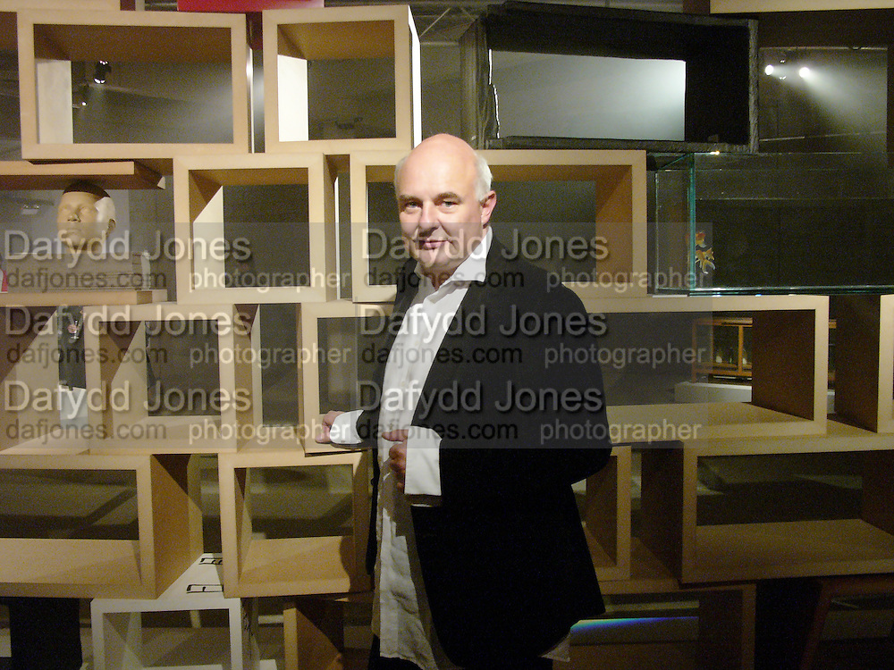 Rold Sachs, Exhibition of furniture by Rolf Sachs,  Looise Guinness Gallery, 250 Brompton Rd. ONE TIME USE ONLY - DO NOT ARCHIVE  © Copyright Photograph by Dafydd Jones 66 Stockwell Park Rd. London SW9 0DA Tel 020 7733 0108 www.dafjones.com