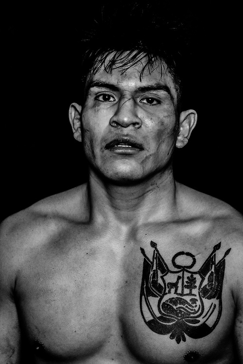 BOXEN / MMA: Studio, Portrait of a Boxer, Hamburg, 07.01.207<br /> Johannes Michalik (Key Gym)<br /> © Torsten Helmke