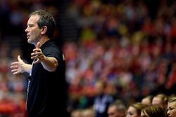 20-12-2015 DEN: World Championships Handball 2015 Nederland - Noorwegen, Herning<br /> Finale WK Handbal / Nederland verliest kansloos de finale van Noorwegen en moet genoegen nemen met zilver / Bondscoach Henk Groener