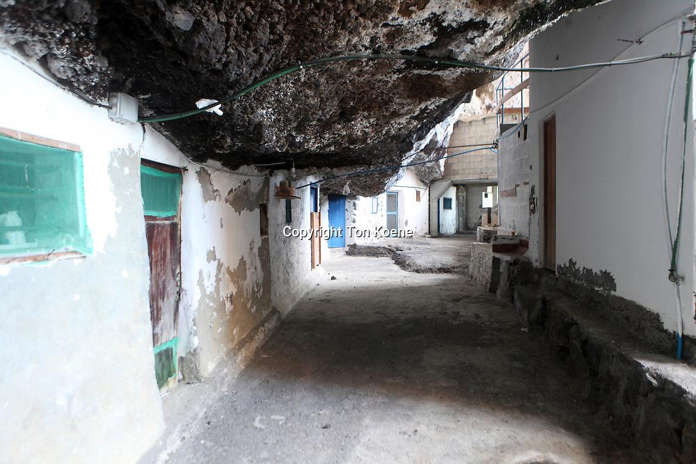 cave houses on la palma
