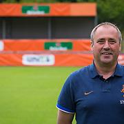 NLD/Velsen/20130701 - Selectie Nederlands Dames voetbal Elftal, coach Roger Reijners