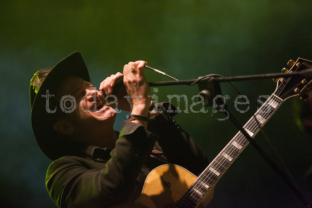 Juan Perro and his band performing  during  The San Isidro Festival (Planeta Madrid). San Isidro is the local Madrilène 5 days festival.During the evenings of San Isidro some of the many live music shows  are performed in the gardens of Las Vistillas.