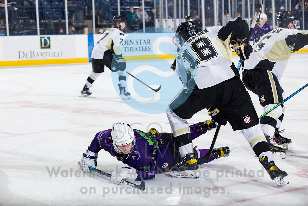 The Youngstown Phantoms defeat the Muskegon Lumberjacks 4-3 in overtime at the Covelli Centre on April 17, 2021.<br /> <br /> Georgii Merkulov, forward, 11