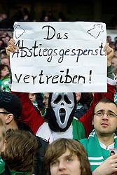 12.03.2011, Weserstadion, Bremen, GER, 1.FBL, Werder Bremen vs Borussia Moenchengladbach, im Bild Das Abstiegsgespenst vertreiben , ein Fan mit gespenster Maske     EXPA Pictures © 2011, PhotoCredit: EXPA/ nph/  Kokenge       ****** out of GER / SWE / CRO  / BEL ******