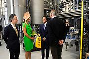 """Koningin Maxima opent """"groene"""" fabriek van Unipro in Haaksbergen. Unipro is producent en leverancier van vloersystemen.Met de bouw van de nieuwe fabriek zijn duurzaamheid en moderne productiemethoden gecombineerd.<br /> <br /> Queen Maxima opens """"green"""" factory Unipro Haaksbergen. Unipro is a producer and supplier of vloersystemen.Met the construction of the new plant, sustainability and modern production methods combined.<br /> <br /> Op de foto / On the photo:  Koningin Maxima, met links directeur Gerben Bouwmeester, tijdens een rondleiding door het nieuwe bedrijfspand<br /> <br /> Queen Maxima, left manager Gerben Bouwmeester, during a tour of the new premises"""