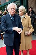 80e verjaardag van Prof. mr. Pieter van Vollenhoven in theater Figi in Zeist<br /> <br /> 80th birthday of Prof. dr. Pieter van Vollenhoven in the Figi theater in Zeist<br /> <br /> Op de foto / On the photo:  Cees Dam en Martine van Loon-Labouchere