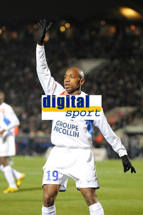 FOOTBALL - FRENCH CHAMPIONSHIP 2009/2010 - L1 - GIRONDINS BORDEAUX v MONTPELLIER HSC - 07/03/2010 - PHOTO JEAN MARIE HERVIO / DPPI - SOULEYMANE CAMARA (MON)