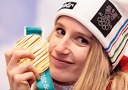 22.02.2018, Austria House, Pyeongchang, KOR, PyeongChang 2018, Medaillenfeier, im Bild Anna Gasser (AUT) mit ihrer Goldmedaille // gold medalist and Olympic champion Anna Gasser of Austria shows her gold medal during a medal celebration of the Pyeongchang 2018 Winter Olympic Games at the Austria House in Pyeongchang, South Korea on 2018/02/22. EXPA Pictures © 2018, PhotoCredit: EXPA/ Johann Groder