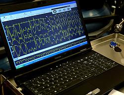 14-12-2013 ALGEMEEN: ICELAND DIABETES CHALLENGE: NIJKERK<br /> In gezondheidscentrum De Nije Veste in Nijkerk werden de eerste deelnemers aan de challenge getest <br /> ©2013-FotoHoogendoorn.nl