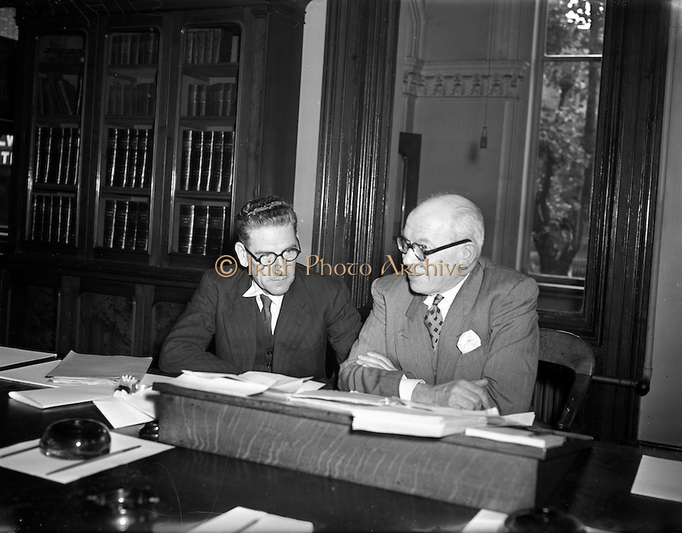 01/09/1953 <br /> 09/01/1953<br /> 01 September 1953<br /> First meeting of the Great Northern Railway Board at Amiens Street Dublin. Mr. A.P. Reynolds, Senior Director Dublin, G.N.R. and Mr. George B. Howden, Senior Director, Belfast G.N.R.. the G.N.R.B. was set up by the governments of Nothern Ireland and the Republic of Ireland to run the unprofitable Great Northern Railway Ireland company. The Board consisted of ten members, five appointed by each Government. The Chairmanship and Vice-Chairmanship alternating each year between Mr.Reynolds and Mr.Howden.