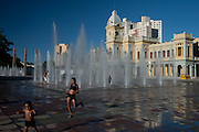 Belo Horizonte - MG, 03/03/2007...A praca da estacao foi o primeiro portal de entrada da capital mineira. O antigo predio da estacao abriga hoje o Museu de Artes e Oficios...FOTO: JOAO MARCOS ROSA / AGENCIA NITRO