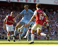 Photo: Olly Greenwood.<br />Arsenal v Manchester City. The FA Barclays Premiership. 25/08/2007. Michael Johnson is fouled by Kolo Toure but no penalty is given