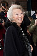 80e verjaardag van Prof. mr. Pieter van Vollenhoven in theater Figi in Zeist<br /> <br /> 80th birthday of Prof. dr. Pieter van Vollenhoven in the Figi theater in Zeist<br /> <br /> Op de foto / On the photo:  Prinses Beatrix