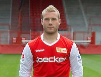 Der Spieler des 1. FC Union Berlin, Adam Nemec, posiert am 01.07.2013 im Stadion Alte Försterei in Berlin während des offiziellen Fototermins für die Saison 2013/2014. Foto: Soeren Stache/dpa