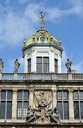 THEMENBILD - Brüssel ist die Haupt- und Residenzstadt des Königreichs Belgien, Sitz der Institutionen der Flämischen und Französischen Gemeinschaft Belgiens sowie von Flandern und Hauptort der Region Brüssel-Hauptstadt. Zudem stellt die Stadt den Hauptsitz der Europäischen Union sowie den Sitz der NATO, ferner den des ständigen Sekretariats der Benelux-Länder, der Westeuropäischen Union und der EUROCONTROL, hier im Bild Kuppel der Maison des Boulangers, Roi d'Espagne, Zunfthaus, Gildehaus der B¬äcker am Grote Markt, Grand Place, UNESCO Weltkulturerbe aufgenommen am 28. Juli 2013 // THEMES PICTURE - Brussels is the capital and residence city of the Kingdom of Belgium, the seat of the institutions of the Flemish and French Community of Belgium and the capital of Flanders and Brussels-Capital Region. In addition, the city is the headquarters of the European Union, and the headquarters of NATO, also the Permanent Secretariat of the Benelux countries, the Western European Union and EUROCONTROL pictured on 28th of July 2013. EXPA Pictures © 2013, PhotoCredit: EXPA/ Eibner/ Michael Weber<br /> <br /> ***** ATTENTION - OUT OF GER *****