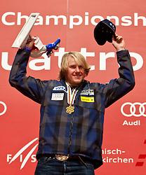 18.02.2011, Medal Placa, Garmisch Partenkirchen, GER, FIS Alpin Ski WM 2011, GAP, Herren, Riesenslalom, Medaillen Zeremonie , im Bild Gold Medaille und Weltmeister Ted Ligety (USA) // Gold Medal and World Champion Ted Ligety (USA)  during men's Giant Slalom Medalceremony Fis Alpine Ski World Championships in Garmisch Partenkirchen, Germany on 18/2/2011. EXPA Pictures © 2011, PhotoCredit: EXPA/ J. Groder