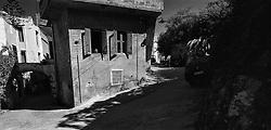 Small house at corner in Chania, Crete - Lítið hús á götuhorni í Chania