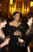 ZADIE SMITH, The Man Booker prize 2005. the Guildhall.   October 10 2005. ONE TIME USE ONLY - DO NOT ARCHIVE © Copyright Photograph by Dafydd Jones 66 Stockwell Park Rd. London SW9 0DA Tel 020 7733 0108 www.dafjones.com