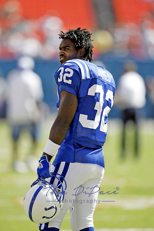 Indianapolis Colts Edgerrin James  plays in a game against the Miami Dolphins 1999-2002..<br /> <br /> (Tom DiPace)