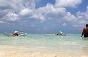 Holiday in the caribbean sea of Aruba<br /> Vakantie in de caraïbische zee van Aruba