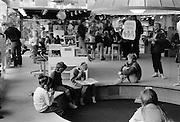 Läsesalongen i Kulturhuset, 1980-talet. Avdelningen för barn.