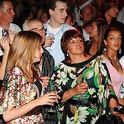 NLD/Amsterdam/20070606 - Opening vernieuwde club Cineac van DJ Tiesto, bezoekers, drukte