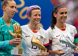 07-07-2019 FRA: Final USA - Netherlands, Lyon<br /> FIFA Women's World Cup France final match between United States of America and Netherlands at Parc Olympique Lyonnais. USA won 2-0 / Sari van Veenendaal #1 of the Netherlands, Megan Rapinoe #15 of the United States, Alex Morgan #13 of the United States