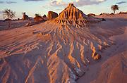 Walls of China, at Sunset, Eroded Dunes, Willandra Lakes, Mungo National Park, New South Wales, Australia, World Heritage Site