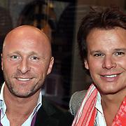 NLD/Naarden/20080401 - Het Arsenaal van jan des Bouvrie bestaat 15 jaar, Leco Zadelhoff en partner Rob Sintenie
