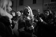 Un numeroso gruppo di terremotati del Centro Italia protestano in Piazza Santi Apostoli. Roma 25 Gennaio 2017. Christian Mantuano / OneShot<br /> <br /> A group of earthquake victims form central Italy protest in Piazza Santi Apostoli. Rome 13 January 2017. Christian Mantuano / OneShot