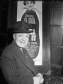 1952 - 17/12 Pantomime Characters in Dublin