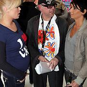 NLD/Amsterdam/20080409 - Presentatie Disney DVD en start Dutchykitten, Bridget Maasland en haar vader met Dyanne Beekman in gesprek