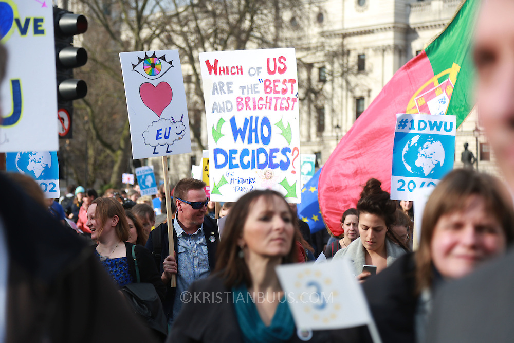 1 Day without Us is a nationwide protest to highlight that EU citizens in the UK feel like bagaining chips in the Brexit negotiantions, used by the Uk government. Feb 2th saw hundreds of EU citizens gatherin Parliament square to go and lobby their respective MPs to safe guard their right to stay in Britain post Brexit.