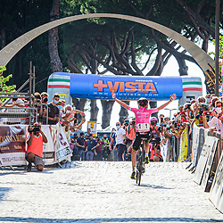 VAN VLEUTEN Annemiek ( NED ) – MITCHELTON SCOTT ( MTS ) - AUS – Querformat - quer - horizontal - Landscape - Event/Veranstaltung: Giro Rosa Iccrea - 4. Stage - Category/Kategorie: Cycling - Road Cycling - Cycling Tour - Elite Women - Location/Ort: Europe – Italy - Start: Assisi - Finish: Tivoli - Discipline: Cycling - Road Cycling - Cycling Tour - Road Race ( RR ) - Distance: 170,3 km - Date/Datum: 14.09.2020 – Monday - Photographer: © Arne Mill - frontalvision.com